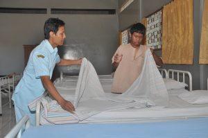 pasien-diajari-latihan-kerja